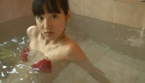保田真愛 (21)
